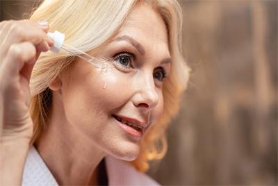 Mejores Contornos de Ojos para 50 años